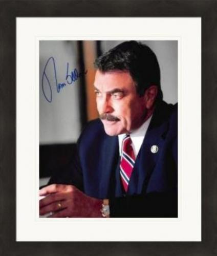Tom Selleck autographed 8x10 photo (Blue Bloods New York Police Commissioner) #SC8 Matted & Framed