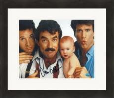 Tom Selleck autographed 8x10 Photo (Three Men and a Baby) #SC1 Matted & Framed