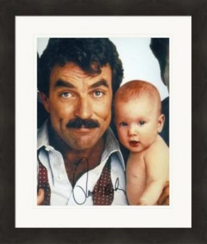 Tom Selleck autographed 8x10 Photo (Three Men and a Baby) #SC4 Matted & Framed