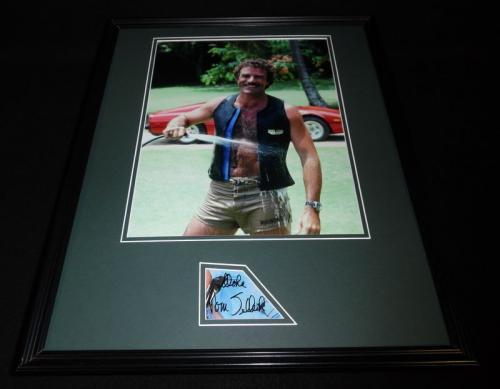 Tom Selleck Signed Framed 16x20 Photo Poster Display JSA Magnum PI