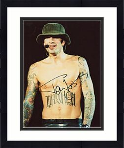 Tommy Lee Autographed Celebrity 8x10 Photo