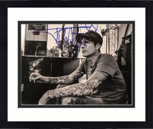 TOMMY LEE (Motley Crue) signed authentic black and white 8x10 photo