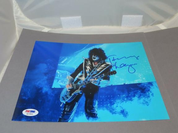 Tommy Thayer Signed 8x10 Photo Autographed PSA/DNA COA 1A