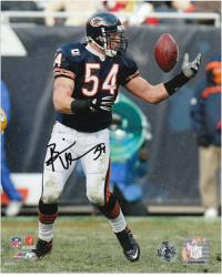 Brian Urlacher Chicago Bears Autographed 8'' x 10'' Reach Back Photograph - Mounted Memories