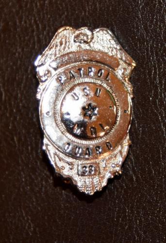 """USN MDL Guard # 33 1"""" Metal Badge Panama City FL Circa 1955"""