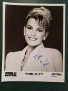 Vanna White -JSA cert-signed photo (pose 3)