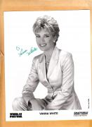 Vanna White-signed photo-15 c