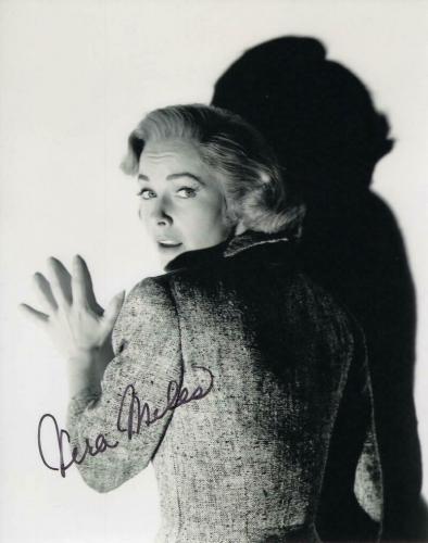 Vera Miles Signed Autograph 8x10 Photo - Lila Crane - Alfred Hitchcock Psycho