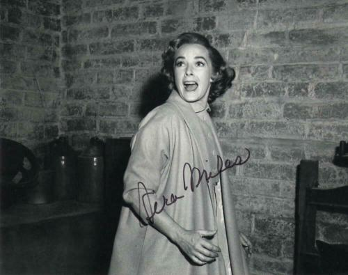 Vera Miles Signed Autograph 8x10 Photo - Lila Crane In Alfred Hitchcock Psycho