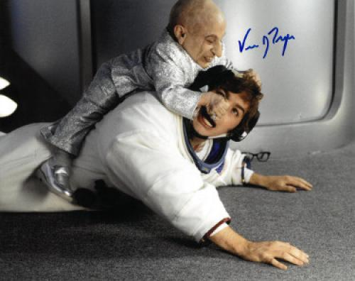 Verne Troyer signed Austin Powers Mini Me 8x10 Photo (horizontal- fight with Austin Powers/Mike Myers)