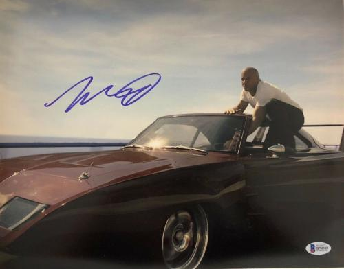 Vin Diesel Signed 11x14 Photo Fast And Furious Beckett Bas Autograph Auto A