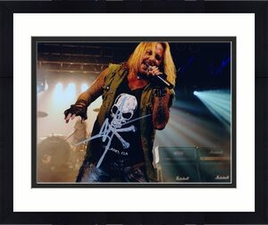 Vince Neil Signed - Autographed Motley Crue Concert 8x10 inch Photo - Guaranteed to pass BAS