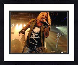 Vince Neil signed Motley Crew 16x20 Photo (horizontal) - JSA Hologram (music/entertainment)