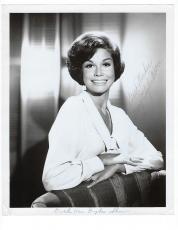 Vintage 1960's Mary Tyler Moore Signed Autographed 8x10 Photo