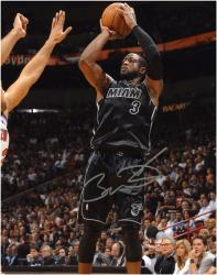 Dwyane Wade Miami Heat Autographed 8'' x 10'' vs. New York Knicks Photograph - Mounted Memories