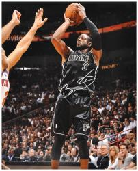 Dwyane Wade Miami Heat Autographed 16'' x 20'' vs. New York Knicks Photograph - Mounted Memories