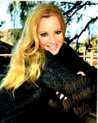 Wendi McLendon-Covey Signed - Autographed 8x10 inch Photo - The Goldbergs Mom - Guaranteed to pass BAS