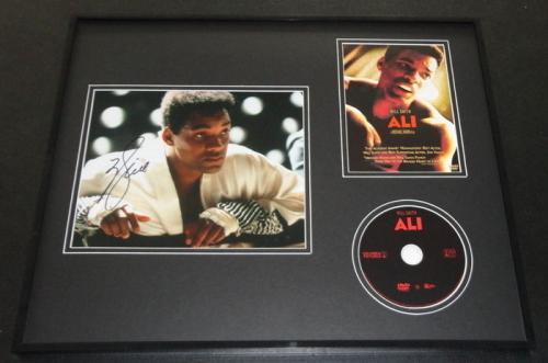 Will Smith Signed Framed 16x20 Photo & Ali DVD Display JSA