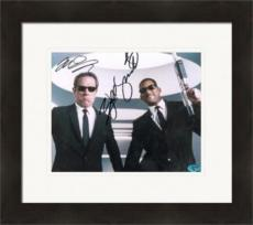 Will Smith & Tommy Lee Jones autographed 8x10 photo (Men in Black) Matted & Framed