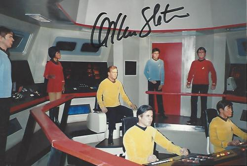 "WILLIAM SHATNER as JAMES T. KIRK in ""STAR TREK"" Signed 6x4 Color Photo"
