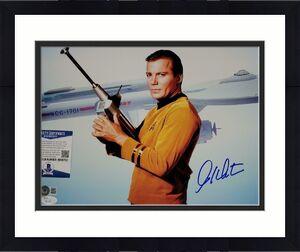 William Shatner signed Star Trek 11x14 Photo Cpt. Kirk Autograph (A) ~ BAS COA