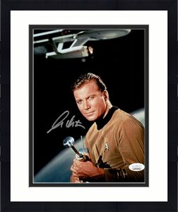William Shatner Star Trek Signed Autographed 8x10 Photo JSA Authenticated 10