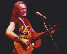 Willie Nelson Autographed Concert 8x10 Photo
