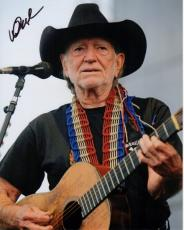 Willie Nelson Autographed Concert 8x10 Photo - Country Music Legend