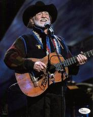 WILLIE NELSON HAND SIGNED 8x10 COLOR PHOTO     AMAZING IN CONCERT POSE       JSA
