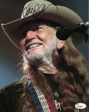 WILLIE NELSON HAND SIGNED 8x10 COLOR PHOTO      AWESOME POSE IN CONCERT      JSA