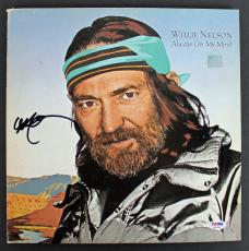 Willie Nelson Signed 'Always On My Mind' Album Cover W/ Vinyl PSA/DNA #AB81086