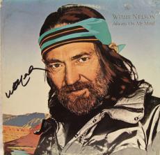 """WILLIE NELSON Signed """"Always On My Mind"""" Album LP JSA #K96169"""