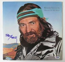 Willie Nelson Signed Always On My Mind Authentic Vinyl Album (PSA/DNA) #H80137