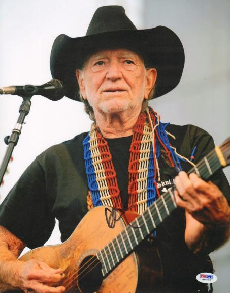 WILLIE NELSON Signed Autographed 11x14 Photo PSA/DNA #W86742