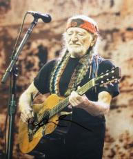 Willie Nelson Signed - Autographed Country Music Star - Concert 8x10 Photo