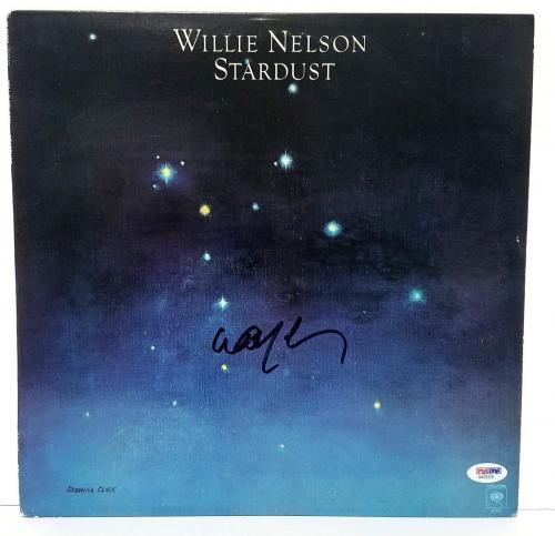 """WILLIE NELSON Signed Autographed Vinyl """"STARDUST"""" Album LP PSA #AA25325"""