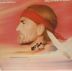 "WILLIE NELSON Signed ""City of New Orleans"" Album LP JSA #K51977"