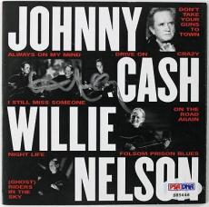 Willie Nelson Signed Johnny Cash & Willie Cd Booklet Autograph Psa/dna #s85446