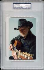 WILLIE NELSON Signed Slabbed 4x6 Photo Country Legend Close Up w/ Guitar PSA/DNA