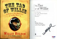 Willie Nelson SIGNED The TAO of Willie HC 1st Ed 1st Print PSA/DNA AUTOGRAPHED