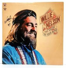 "WILLIE NELSON Signed Vinyl ""THE SOUND IN YOUR MIND"" Album LP JSA #T09825"