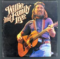 Willie Nelson Signed 'Willie And Family Live' Album Cover W/ Vinyl PSA #AB81089