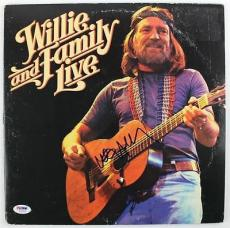 Willie Nelson- Willie And Family Live Signed Album Cover W/ Vinyl Psa #u25903
