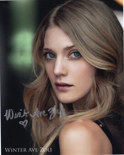 WINTER AVE ZOLI HAND SIGNED 8x10 PHOTO+COA    GORGEOUS ACTRESS   SONS OF ANARCHY