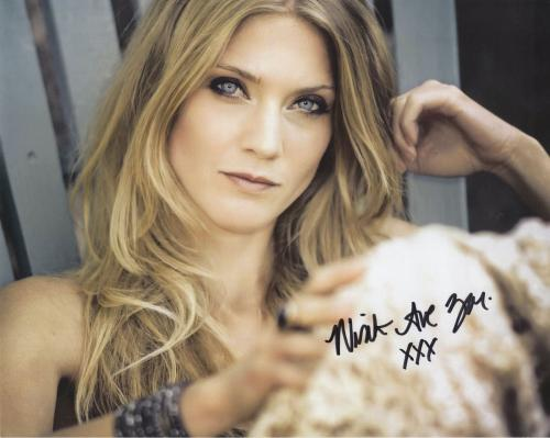 WINTER AVE ZOLI HAND SIGNED 8x10 PHOTO+COA       SEXY ACTRESS   SONS OF ANARCHY