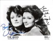 """WYNONA and NAOMI JUDD - Hits Include """"MAMA HE'S CRAZY"""", """"WHY NOT ME"""", and GRANDPA (TELL ME 'BOUT the GOOD OLD DAYS) Signed 10x8 B/W Photo"""