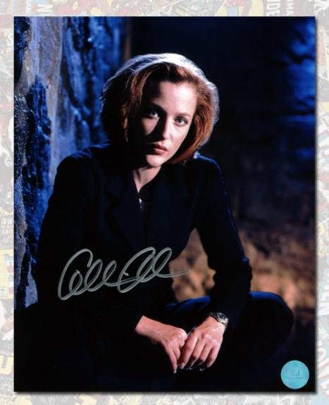 X-Files Autographed by Dana Scully Actor Gillian Anderson 8x10 Photo