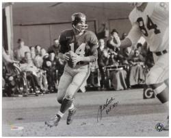 "Y.A. Tittle New York Giants Autographed 16x20 Photograph with ""HOF 1971"" Inscription - Mounted Memories"