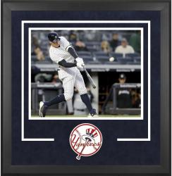 "New York Yankees Deluxe 16"" x 20"" Horizontal Photograph Frame - Mounted Memories"