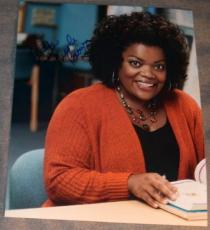 "Yvette Nicole Brown Signed Autograph ""community"" Photo"